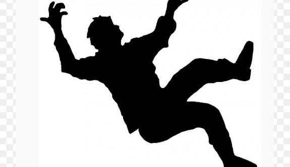 Tavan çökünce 10 metre yüksekten düşerek ağır yaralandı