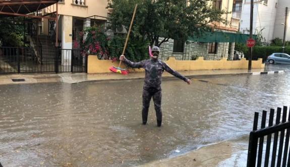 Yağmur ve dolu, Mağusa ve Mesarya'da etkili oldu