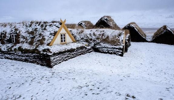 Buz ve ateş ülkesi İzlanda