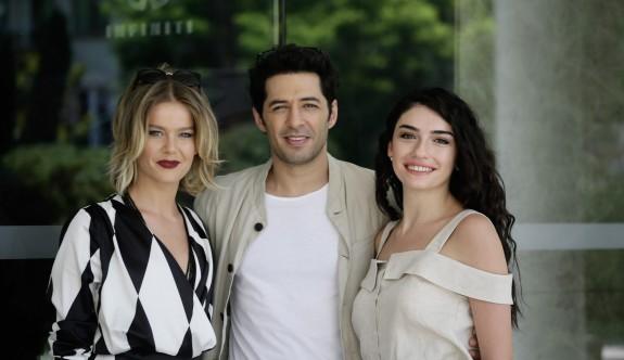 Hazar Ergüçlü, yeni filminin galasında Kıbrıs'taki sevenleri ile buluşuyor