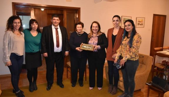 İlk kadın hekim Sennaroğlu'na anlamlı ziyaret