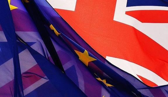 İngiltere'den Brexit'e karşı kemer gevşetme stratejisi