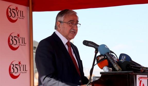 """""""Kıbrıs Türk halkını azınlık konumuna düşürecek anlayışlara asla onay vermeyeceğiz"""""""