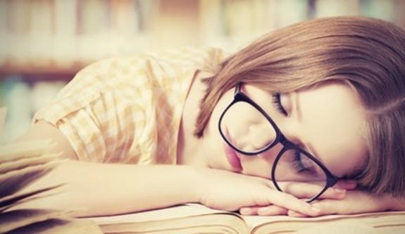 Sürekli uyuklamak isteyene 8 öneri