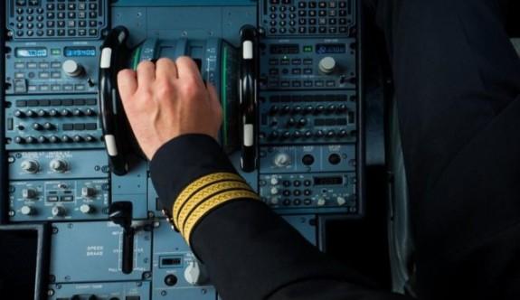 Uçağın zorunlu iniş yapmasına neden olan garip olaylar