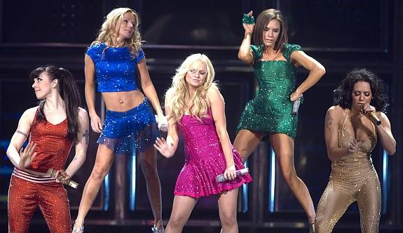 Victoria Beckham Spice Girls'ü zarara uğrattı