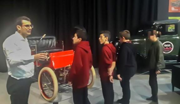 Araba müzesi, öğrencileri ağırladı