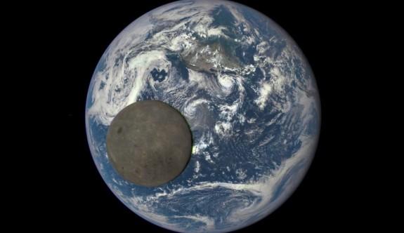 Çin, Ay'ın karanlık yüzüne keşif aracı gönderdi (Bilim dünyasında bir ilk)