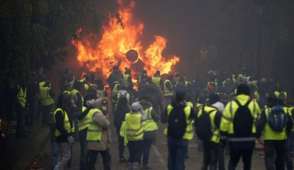 "Fransa'da ""sarı yelekli"" alarmı"