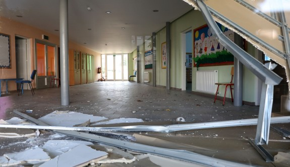 Güney'de iki okul yağmurlardan etkilendi