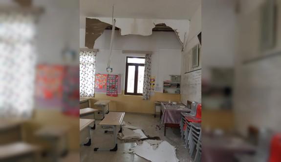 Okulun tavanı çöktü
