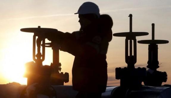 S. Arabistan ve Rusya petrol üretimini kısacak