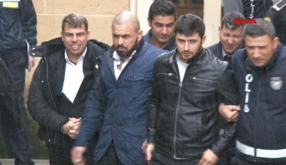 Akacan ve korumaları üç gün tutuklu