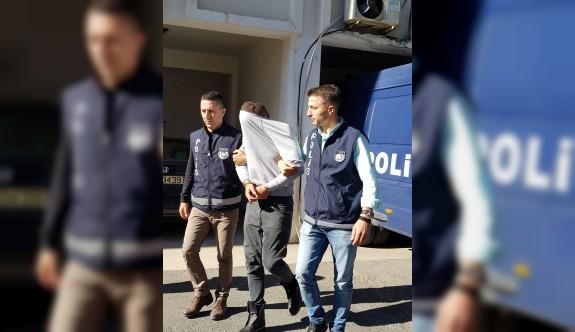 Büfeden 4 bin TL çalanlar tutuklandı