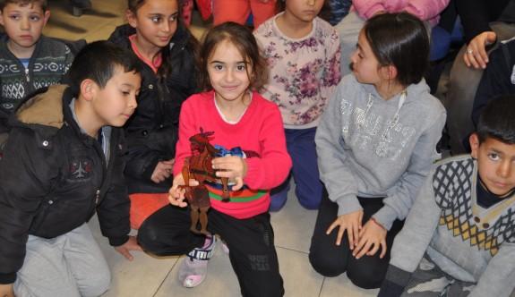 Darts Federasyonu çocukları mutlu etti