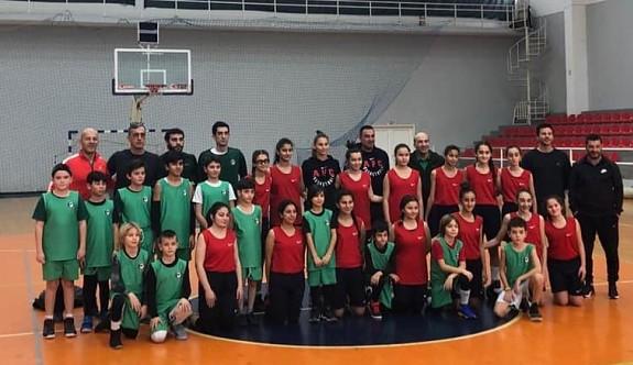 Darüşşafaka Basketbol Okulları'nın kampı devam ediyor