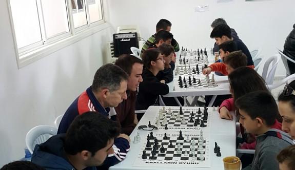 Girne'de satranç heyecanı devam ediyor