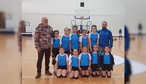 İlkokullar voleybolda finalistler belirlendi