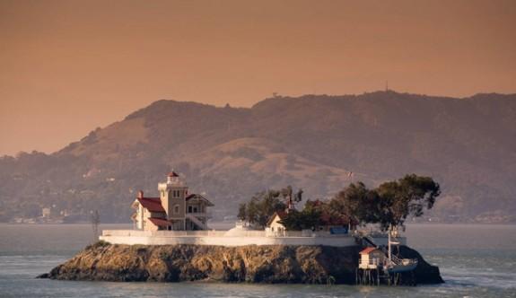Issız adadaki otel, yıllık 65 bin dolar maaşla personel arıyor