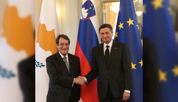 """""""Kıbrıs sorununun çözümünün garantörünün AB ilkeleri"""""""