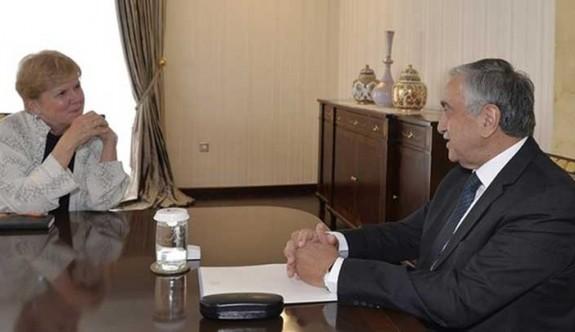 """""""Liderler, Lute'un gelişiyle Kıbrıs sorununa odaklanacak"""""""