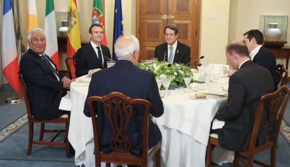 """Med7 toplantısından """"AB Birleşik Kıbrıs için emniyet supabı"""" mesajı"""