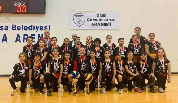 Voleybolun şampiyonları Esentepe ve Polatpaşa