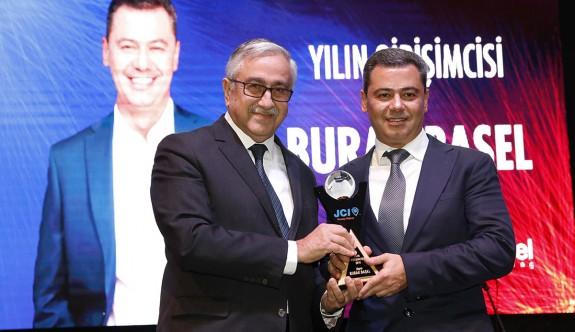 """""""Yılın Girişimcisi 2018 Ödülü"""" Burak Başel'e"""