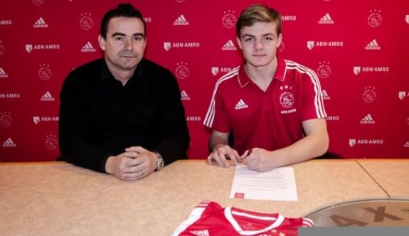 Ajax'a 16 yaşında kanat oyuncusu