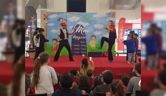 Çocuklar tatilin keyfini City Mall'da çıkarıyor