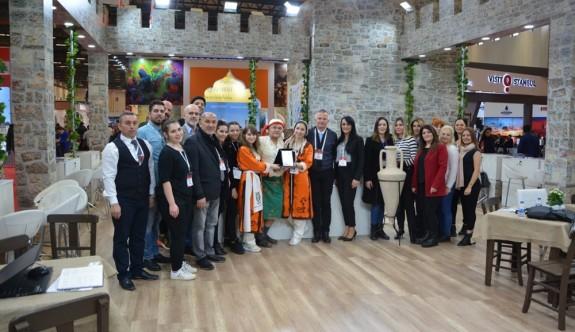 """EMİTT Fuarı'nda Kuzey Kıbrıs standına """"En Organize Stant"""" ödülü"""