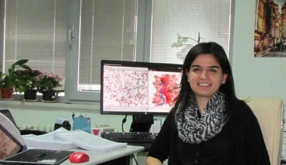 ODTÜ'lü genç bilim kadını kanserin şifrelerini çözüyor