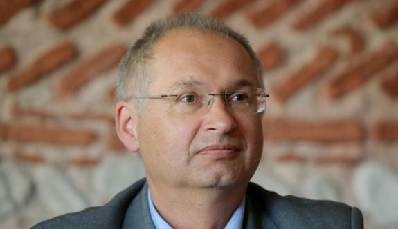 Slovenyalı milletvekili marketten sandviç çaldı