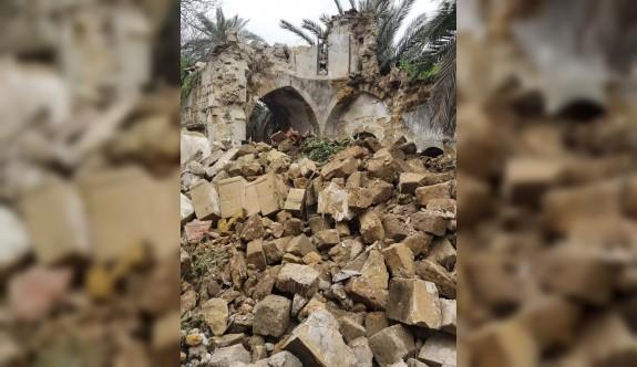 Tarihi kilise çöktü