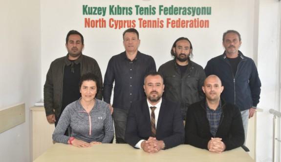 Tenis Gazioğlu ve ekibine emanet