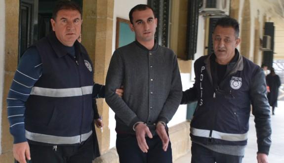 Tetikçiye dört yıl hapis