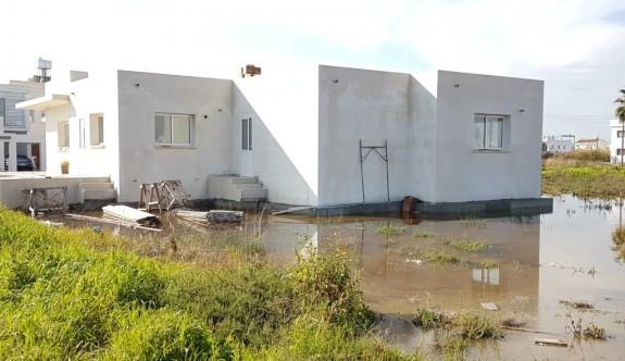 Tuzla köyü suya boğuldu