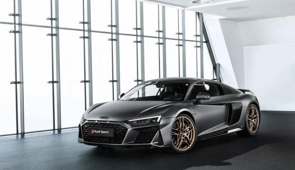 Audi V10'dan 10. Yıla özel model: Audi R8 V10 Decennium