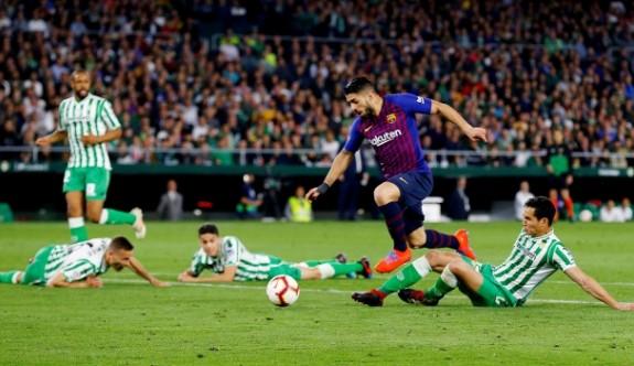 Barcelona ve Uruguay'da Suarez şoku
