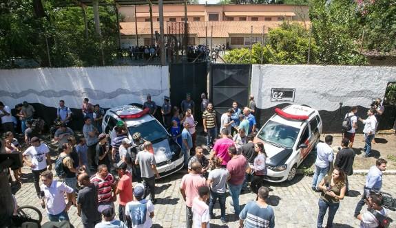 Brezilya'da okula silahlı saldırı: Çok sayıda ölü var