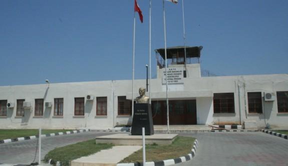 Cezaevi'nde nizamiye personeli süresiz grev başlattı