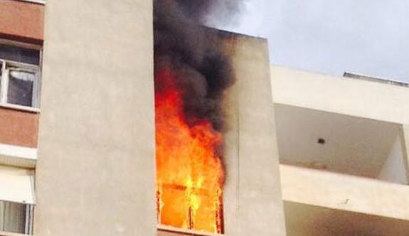 Gönyeli'de bir evde çıkan yangında 2 kişi yaralandı