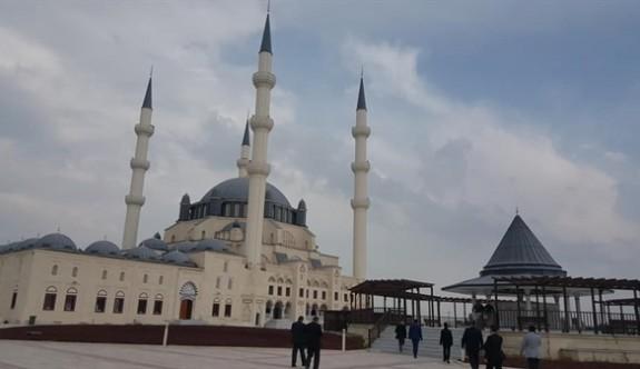 Hala Sultan Camii'nde ilk Mevlit İrsen Küçük için