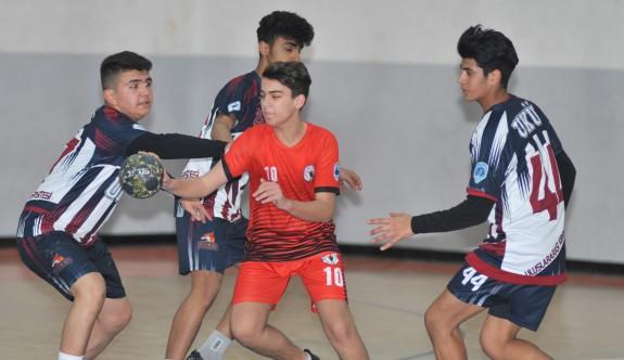 Hentbol U17 Erkekler Liginin üçüncüsü UKÜ