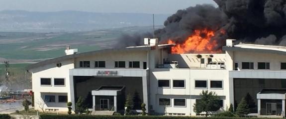 İstanbul'da bir kimya fabrikasında yangın çıktı