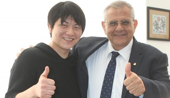 Japon fizikçiye Larnaka'dan sınır dışı