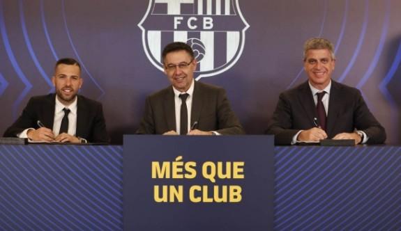 Jordi Alba 2024'e kadar Barça'da