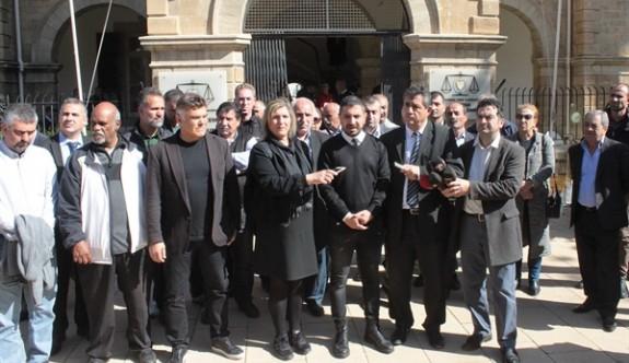 Sendikal Platform, mahkemeler önünde açıklama yaptı