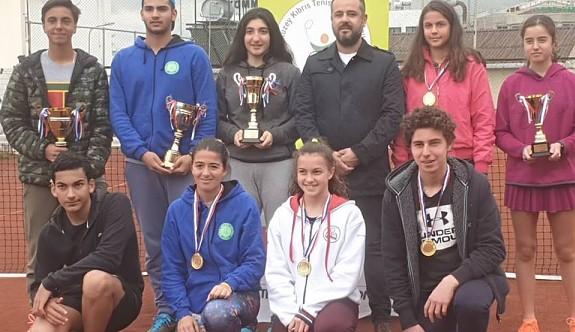 Teniste şampiyonlar belirlendi