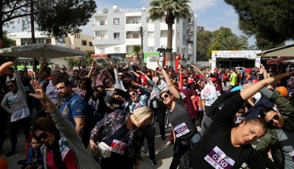 """""""2. Bilinçli Toplum Sağlıklı Gelecek Halk Yürüyüşü/ Koşusu"""" yapıldı"""
